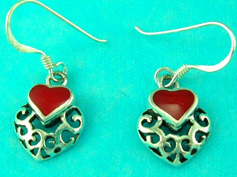 building jewelry store presents filigree love heart gemstone jewelry earring in red, great for valentine gifts